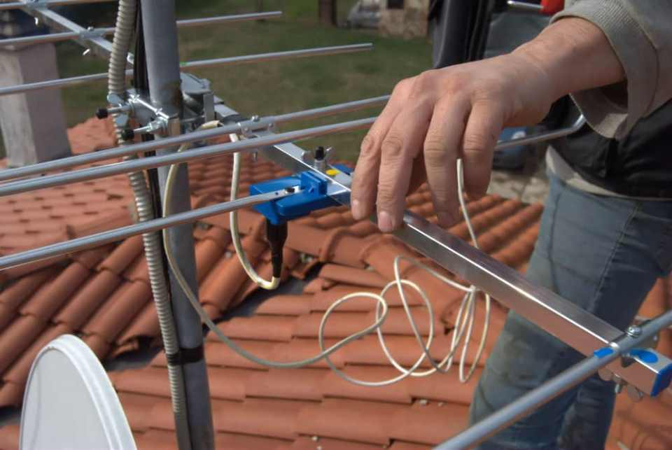 how-can-you-install-an-outdoor-tv-antenna1